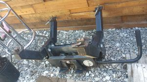 RBW lil rock'r 5th wheel hitch 15k for Sale in Brownstown Charter Township, MI