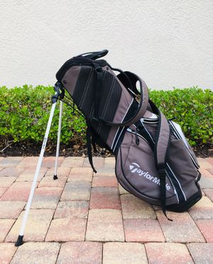 Taylormade stand bag for Sale in Naples, FL