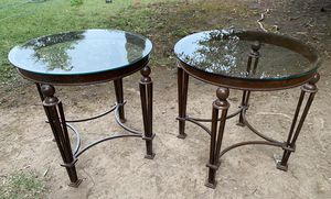 Round Glass top end tables (set of 2) for Sale in Sacramento, CA