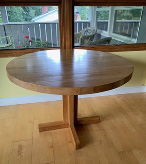 Light Wood Round Table for Sale in Beaverton, OR