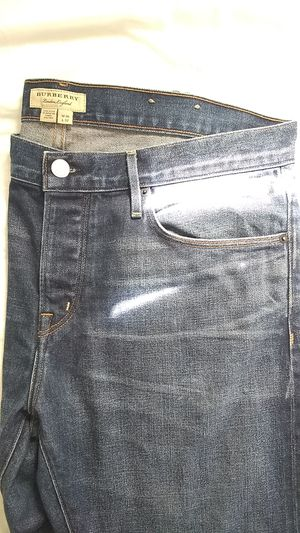 300$ Burberry jeans for Sale in Walton, KY