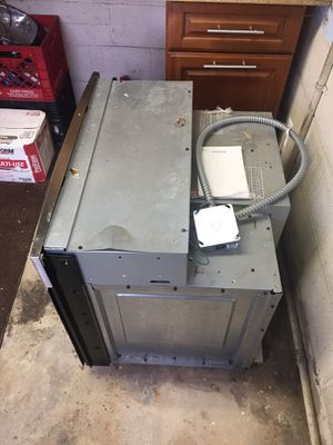 GE wall electric oven for Sale in Beltsville, MD