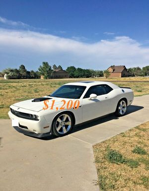 🌺$1,2OO Selling🌺 2009 Dodge Challenger🌺 very nice🙏🏼 for Sale in Fresno, CA