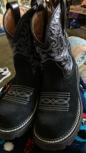 Size 8b boots for Sale in Dublin, CA