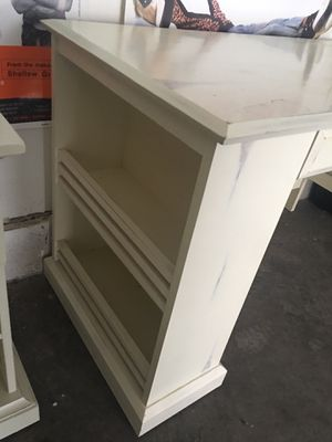 """Pier 1 Imports """"Whitewash"""" bedroom/home office furniture set for Sale in Champaign, IL"""