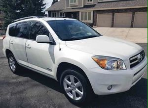 Clean title and Carfax Toyota RAV4 06' for Sale in Pittsburgh, PA