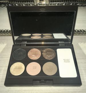 Laura Mercier Chic Eye Palette for Sale in Hoquiam, WA