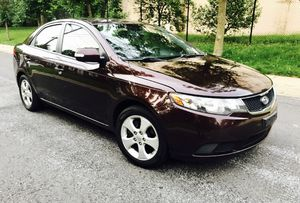2010 Kia Forte •• Bluetooth • Sunroof Cold AC Clean Title for Sale in Silver Spring, MD
