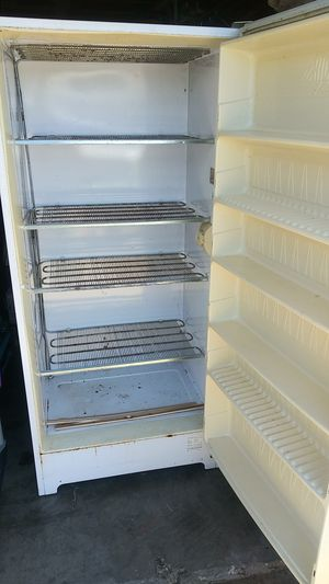 Gibson upright freezer for Sale in Arlington, TX