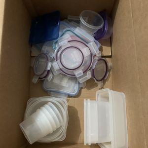 Tupperware Set for Sale in Centennial, CO
