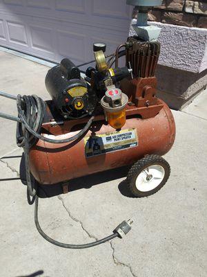 20 gallon compressor works fine 220 light for Sale in Phoenix, AZ