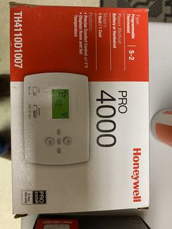 Honeywell thermostat pro 4000 for Sale in Irvine,  CA