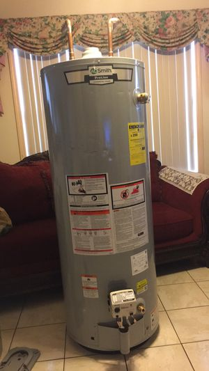 50 gallon natural gas water heater AO Smith like new for Sale in Tampa, FL