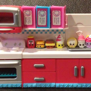 Shopkins Kitchen Playset for Sale in Reinholds, PA