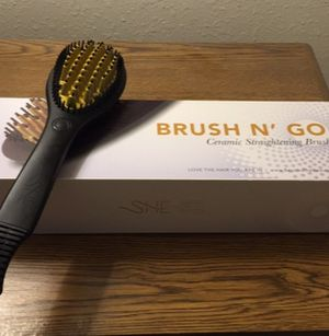 NEW Beyond the Beauty Brush Straightener for Sale in Rialto, CA