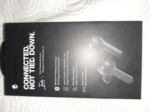 Skullcandy indy earbuds for Sale in Sugar Hill, GA