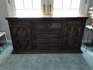 Dinning Buffet/Credenza for sale! for Sale in Naperville, IL