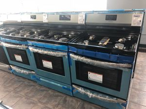Variety gas stoves for Sale in St. Louis, MO