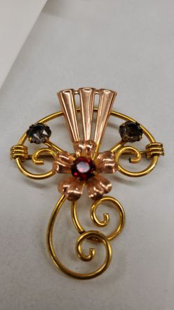 Unique vintage pin/brooch, 2tone gold filled for Sale in Pepper Pike,  OH