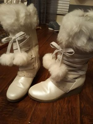 boots for girl size 5 for Sale in Little Elm, TX