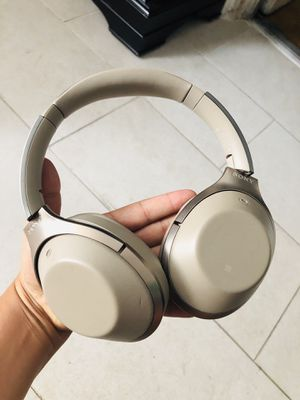 Sony Bluetooth headphones for Sale in Los Angeles, CA