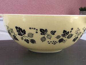 Vintage Pyrex bowl for Sale in Riverside, CA