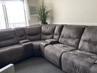 Macy's Sectional Sofa Six Pieces for Sale in Queens,  NY