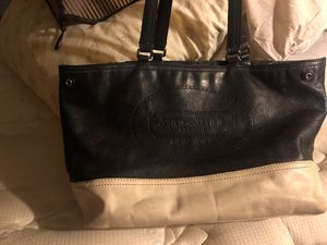 Free worn out coach purse for Sale in Littleton, CO