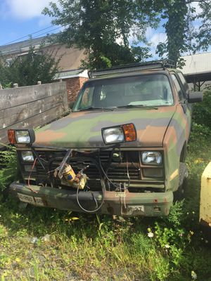 1986 military style Chevrolet blazer, Chevy 4 x 4 with diesel engine for Sale in Meriden, CT