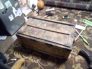 Coffee table/vintage box for Sale in Wakefield, MA