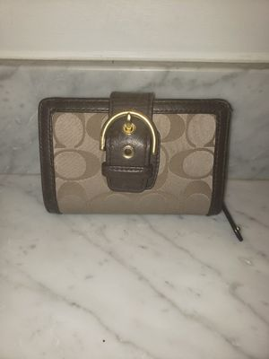 Authentic Small Signature Coach Wallet for Sale in Torrington, CT