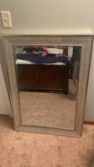 "Wall mirror 32x44"" for Sale in Carol Stream, IL"