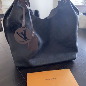 New Louis Vuitton Hobo Bag for Sale in Wayne, IL