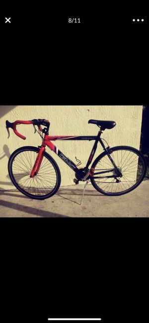 GMC road bike like new for Sale in Coral Gables, FL
