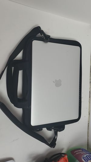 Apple A1706 MacBook Pro With Case, Charger and Mouse for Sale in Champlin, MN