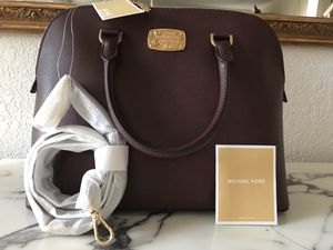 Authentic Michael Kors purse/ Crossbody for Sale in Plano, TX
