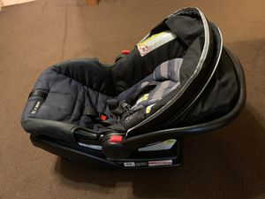 Graco Infant car seat + BASE for Sale in Fort Worth, TX