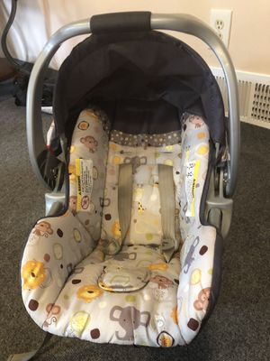 Baby trend car seat for Sale in Silver Spring, PA