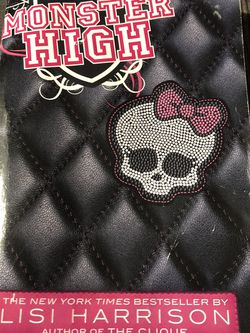 Used Paperback Book : 2010 Monster High by Lisi Harrison (D) for Sale in Pinellas Park,  FL