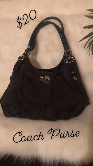 ALL purses for just $60 they are ALL name brand for Sale in La Puente, CA