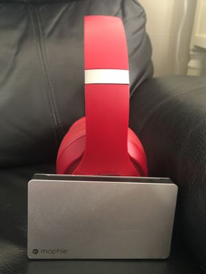Brand new beats Bluetooth studio 3 headphones with portable morphie charger for Sale in Hillsborough, CA