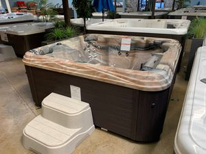 Awesome hot tub ! for Sale in Corona, CA