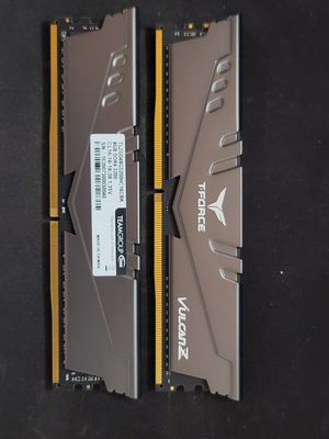 TEAMGROUP T-Force Vulcan Z DDR4 16GB Kit (2 x 8GB) 3200MHz RAM MEMORY for Sale in West Hollywood, CA