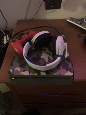 PS4 slim camo/headsets/ 2controllers for Sale in Mableton, GA