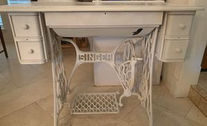 Antique Singer Sewing Table for Sale in West Lake Hills, TX