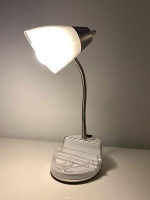 Desk lamp w USB for Sale in Miami, FL