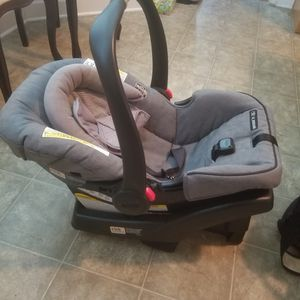 Infant Car Seat for Sale in Erwin, NC