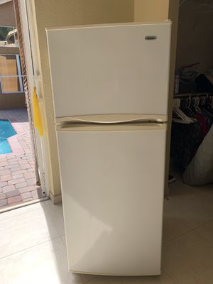 Haier 2 door refrigerator freezer like new very clean for Sale in Miramar, FL