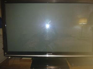 """Panasonic 60"""" flat screen TV with remote for Sale in Austin, TX"""