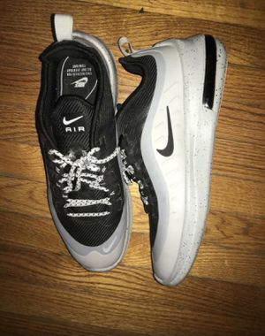 Nike Axis Size 10 for Sale in Lynwood, CA
